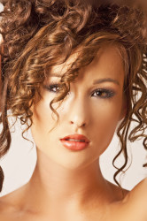 kelsey face hair 1
